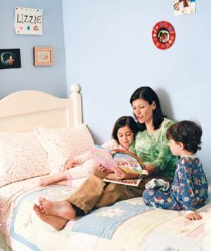 family-reading_300