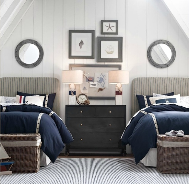 Nautical-themed-guest-room-with-twin-beds (1).jpg